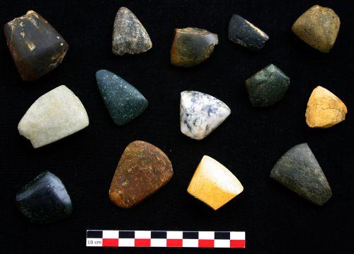 Haches et Ciseaux provenant de la plaine de l'Aude ,coll..Lithic