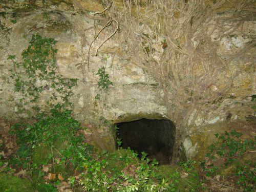 Entrée de souterrain