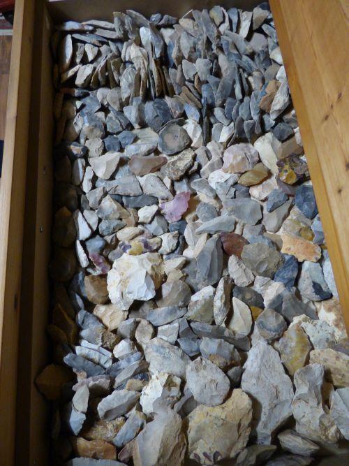 Tiroir ,paléolithique moyen et ancien