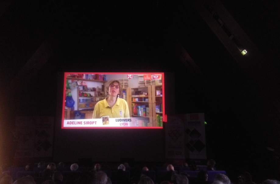 projection video dans amphi.jpg
