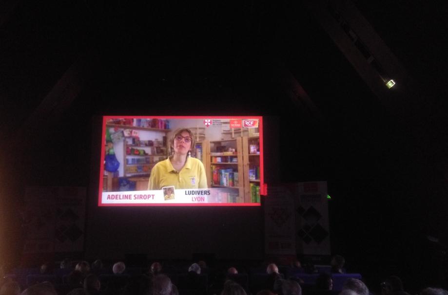 projection video dans amphi.jpg