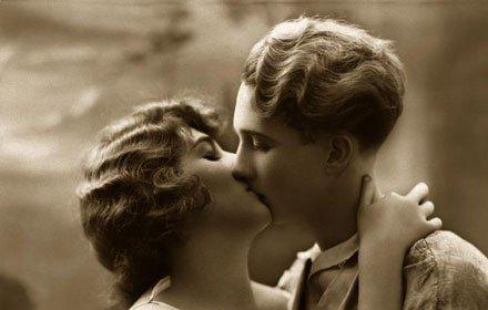 kiss8_1.jpg