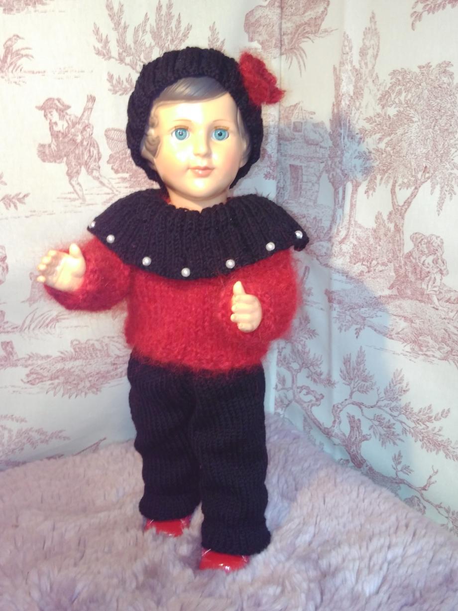 tenue poupée rouge et noir.6.jpg