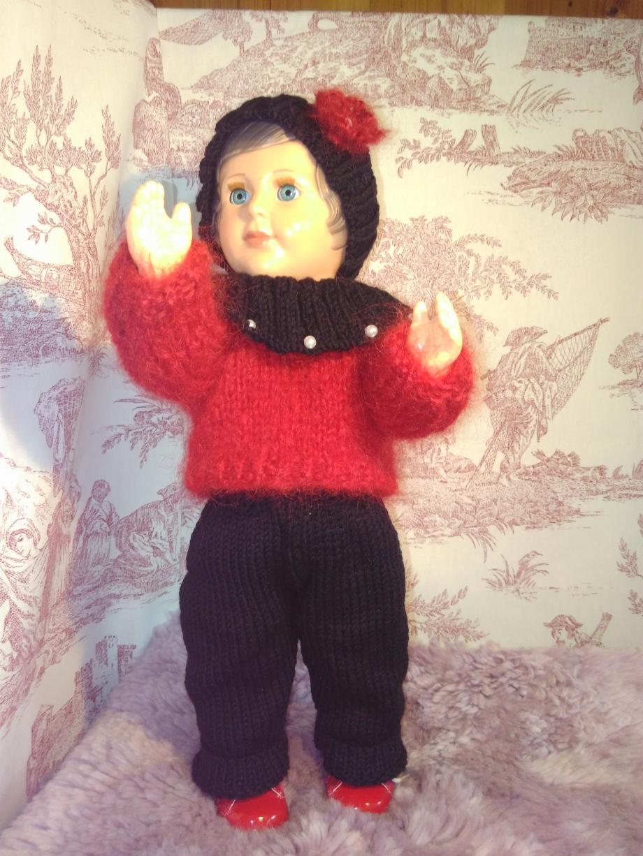 tenue poupée rouge et noir.3.jpg
