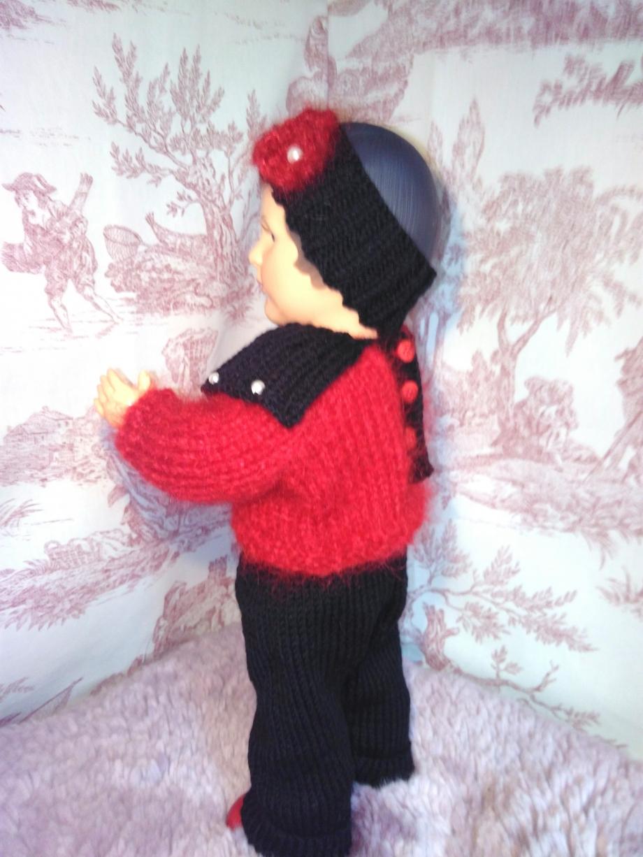 tenue poupée rouge et noir.4.jpg