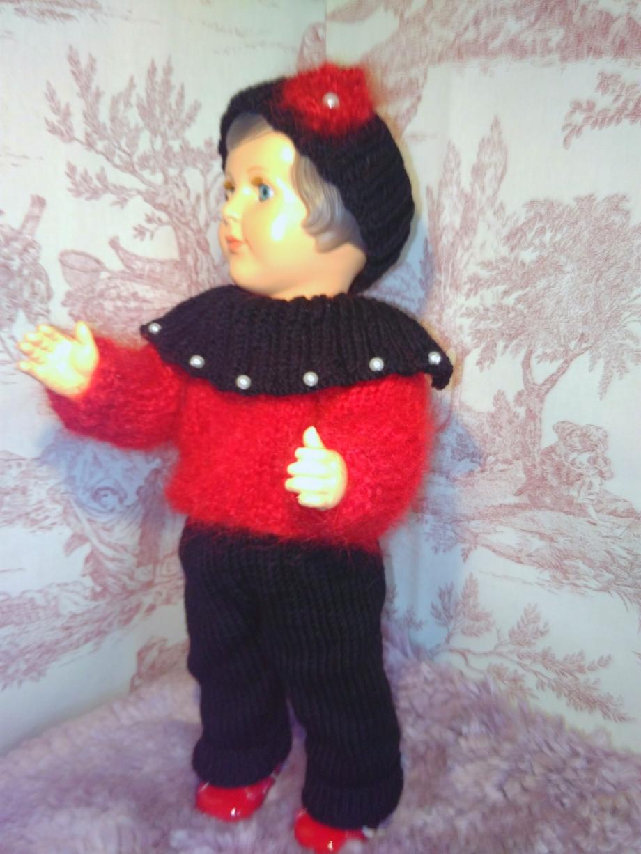 tenue poupée rouge et noir.2.jpg