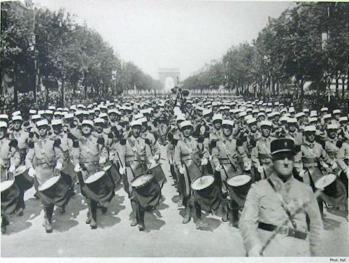 défilé du 14 juillet 1939.jpg