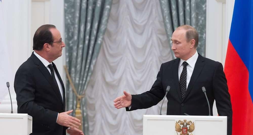 Poutine Hollande.jpg