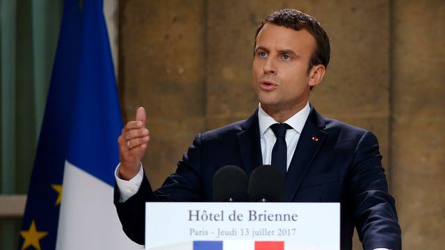 le-president-emmanuel-macron-au-ministere-de-la-defense-le-13-juillet-2017-a-paris_5915730.jpg