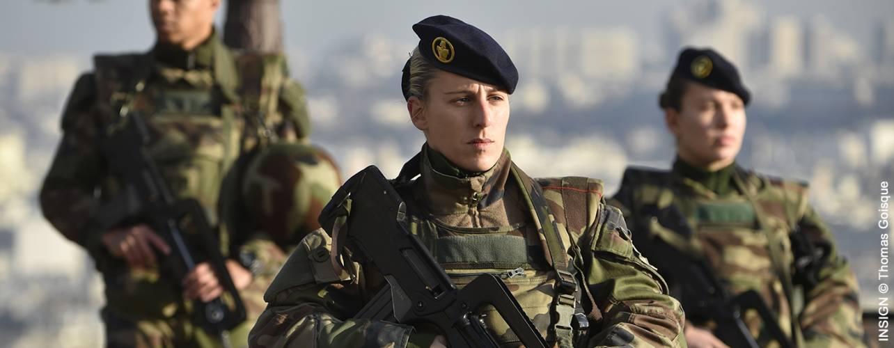 femmes militaires.jpg
