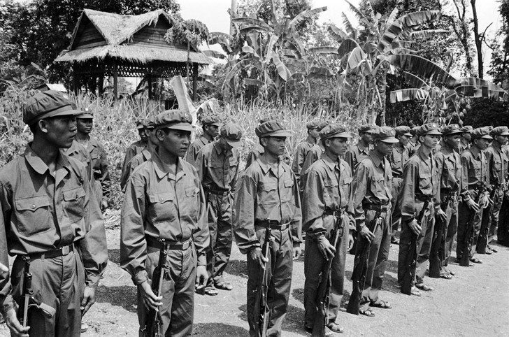 Khmers-rouges-1983_0_730_482.jpg