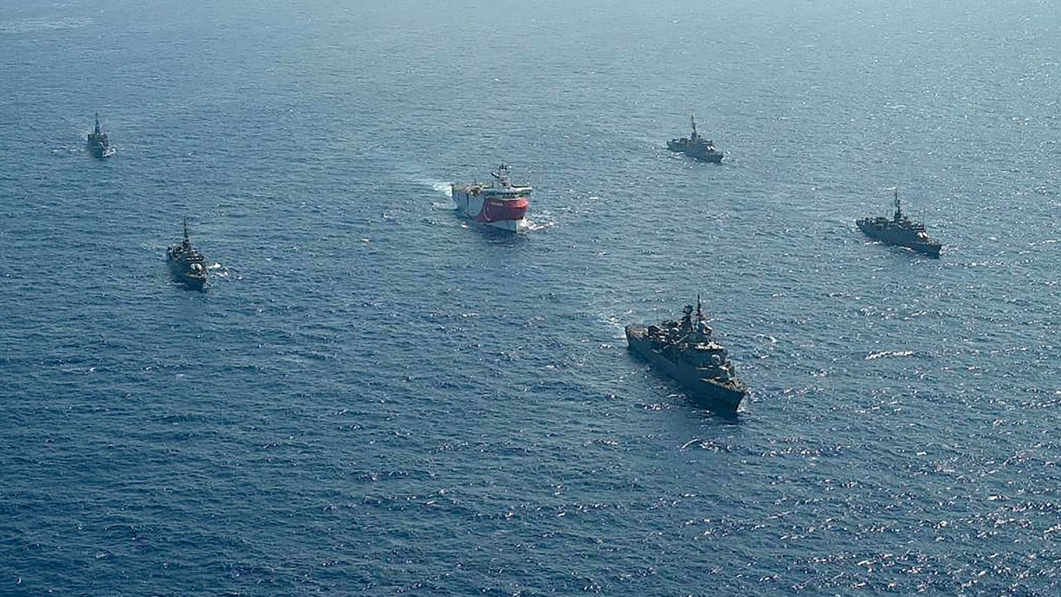 tensions-mediterrannee-navire-turc_6271458.jpg