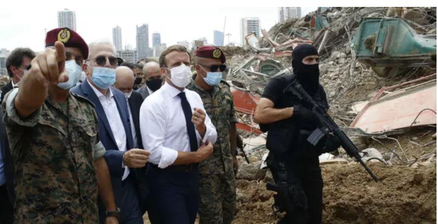 Macron guerre civile.JPG