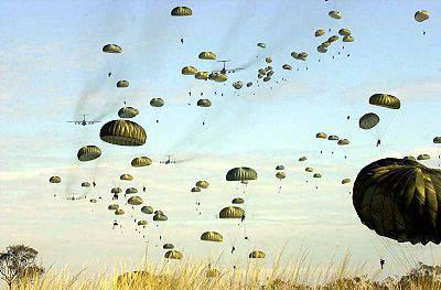 400px-US_paratroopers_jump_into_Australia.jpg