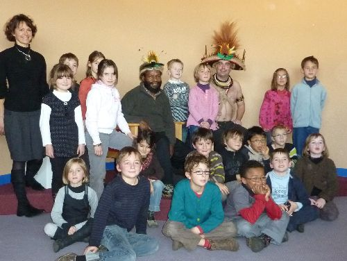 Mundeya avec la classe de CE1 de l'école Saint-Louis