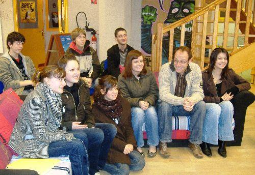 Marc, entouré de jeunes privilégiés, à l'occasion de sa venue lors de Clap en Loire 2009