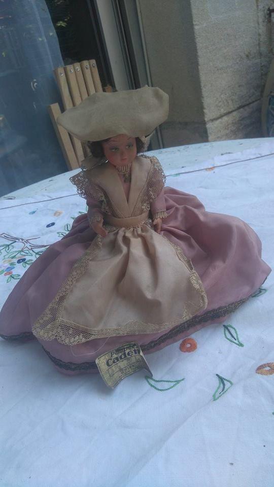 petite poupée folklorique non identifiée (région ?)