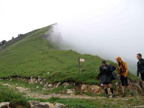 Col de la Cochette : hésitation avant de s'engager vers le sommet du Colombi