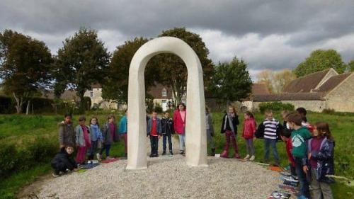lexposition-de-sculptures-vue-par-les-ecoliers.jpg