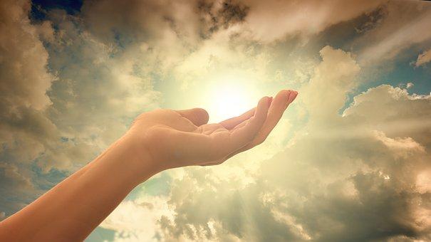 Que la Lumière éblouisse le cœur des humains ainsi que toute la Terre.