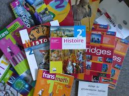 manuels scolaires .jpg