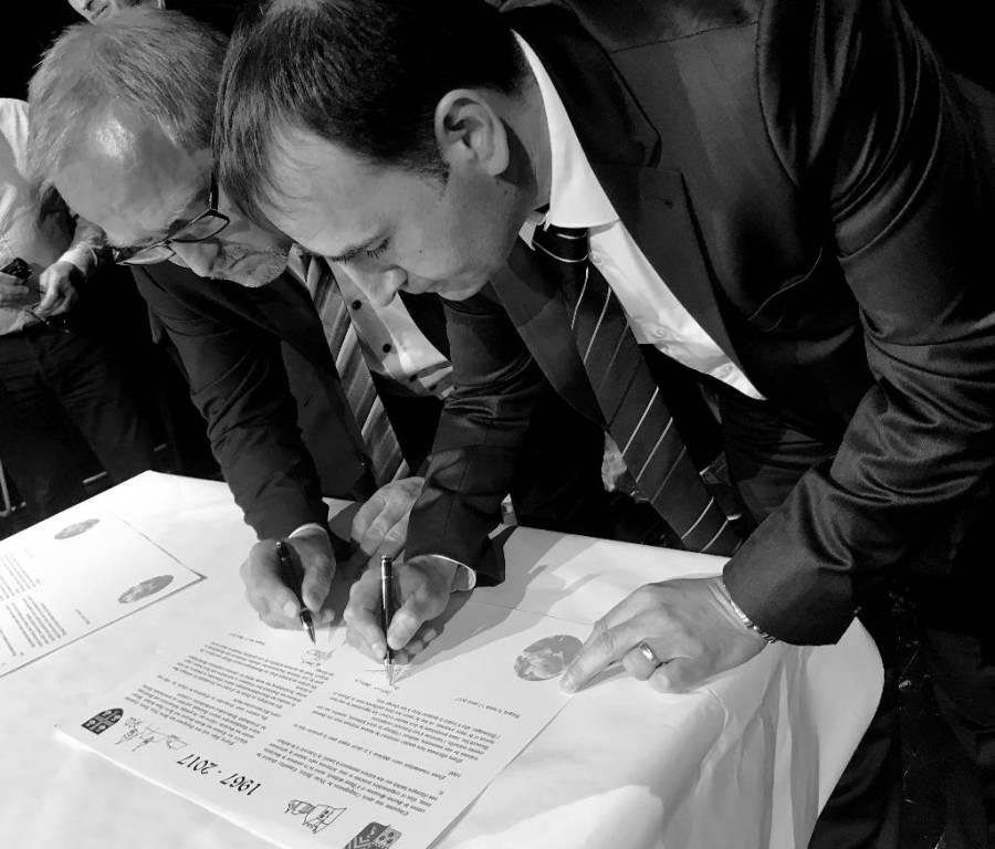 Signature 1.jpg