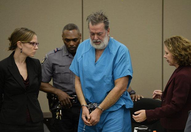 Robert Lewis Dear au tribunal.jpg