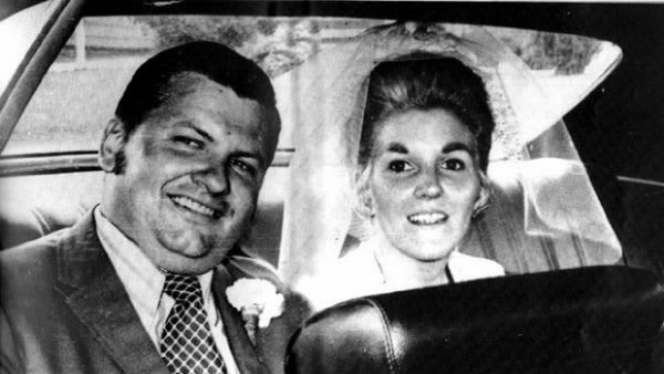 john wayne gacy et sa deuxième femme carol.jpg