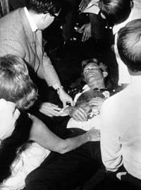 Bobby Kennedy au sol