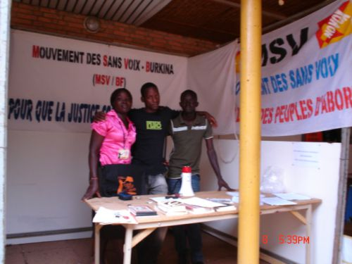 les militants MSV au Stand du MSV lors du festival Ciné Droit Libre 2012