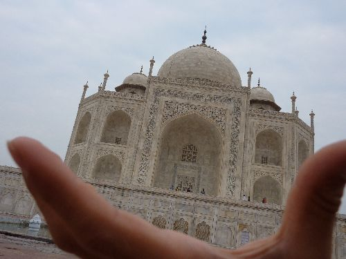 Le Taj Mahal dans la main