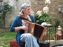 Sara Do  Jardin Poétique 1 Mai 2016.jpg