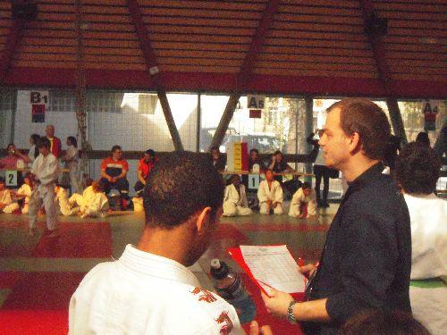 Benoit prof de judo au KCC nous accompagnait et nous conseillait