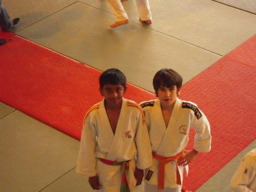 Amitié chez les judokas : Lahiru ( ACBB ) et Thomas ( KCC )