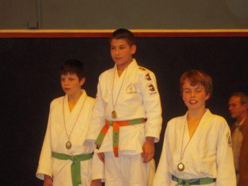 Jérémy gagne dans sa catégorie . Sympa + Champion = BRAVO !!!
