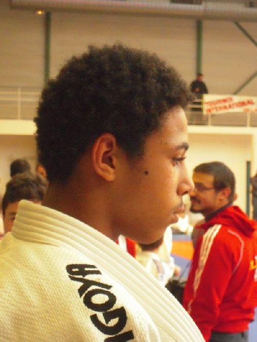 Le roi Mohamed dépité. Il termine 3eme . Pour lui , c'est presqu'une défaite .