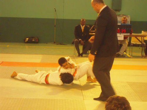 Une nouvelle fois , Yannick a pris le dessus sur tous ses adversaires. Bravo champion !