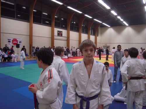Matthieu termine 2eme de ce tournoi de Montreuil. Bravo !