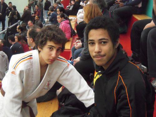 Hédi à gauche et King Mo à droite , sont Champions des Hauts de Seine 2011/2012