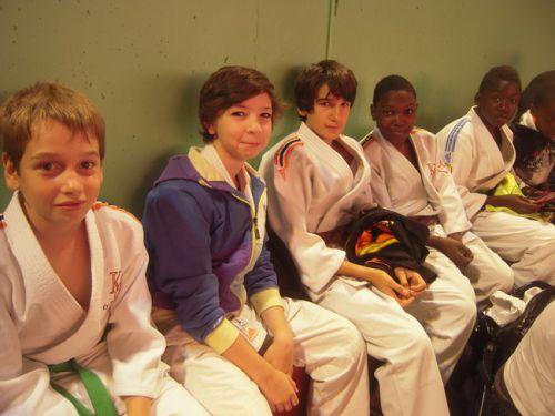 Rémi , Maxime ( néo-minimes) Thomas , Simballa ( minimes 2) et Kevin , minime 1 juste avant le début du criterium
