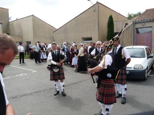 Rencontre entre les danseuses de danses irlandaises de Saint Nazaire et Askol Ha Brug Pipe Band