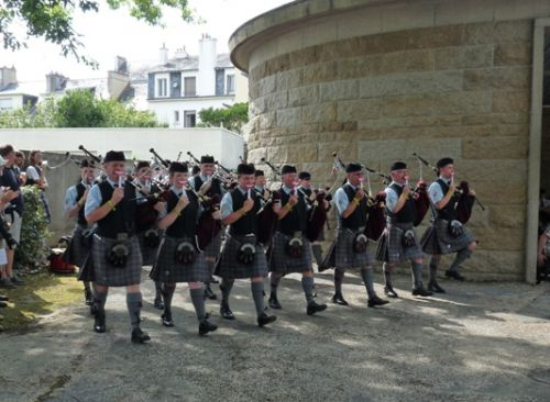 Pipe Band competition (Isle Of Cumbrae Pipe Band, the Crazy Pipe band)