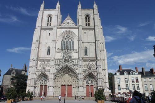 La cathédrale de Nantes (en bas à droite Sylvie et Reun)