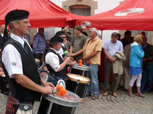 The tenorrs of Askol Ha Brug Pipe Band