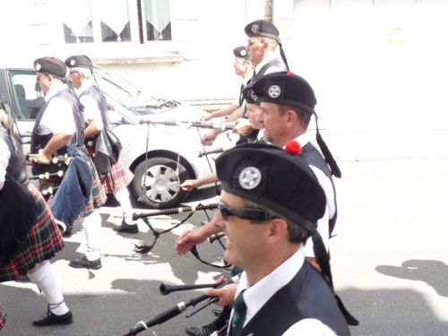 The pipers of Askol Ha Brug Pipe Band