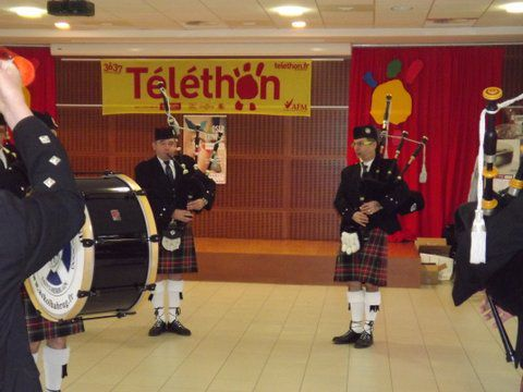 Gérald A. et Claude TRIPON au Téléthon de Sautron
