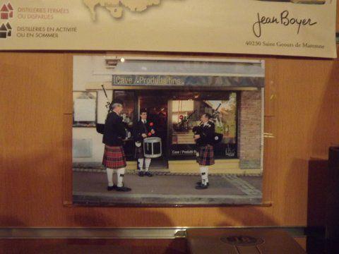 Photo de Roland, Christophe et Reun dans le magasin
