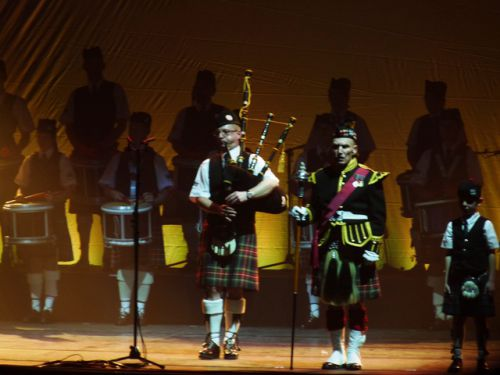 Yves TRIPON, John-Peter DINE and Gabriel of Askol Ha Brug Pipe Band in the ZENITH at Nantes