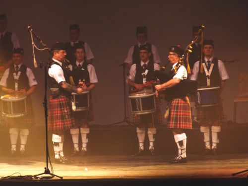 Claude TRIPON, Patrick PILARD and the Drummers of Askol Ha Brug Pipe Band in the ZENITH at Nantes