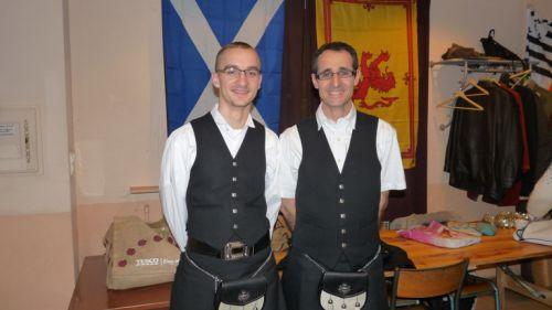Les 2 plus beaux garçons, en kilt,  de l'assemblée Générale D'Askol Ha Brug Pipe Band